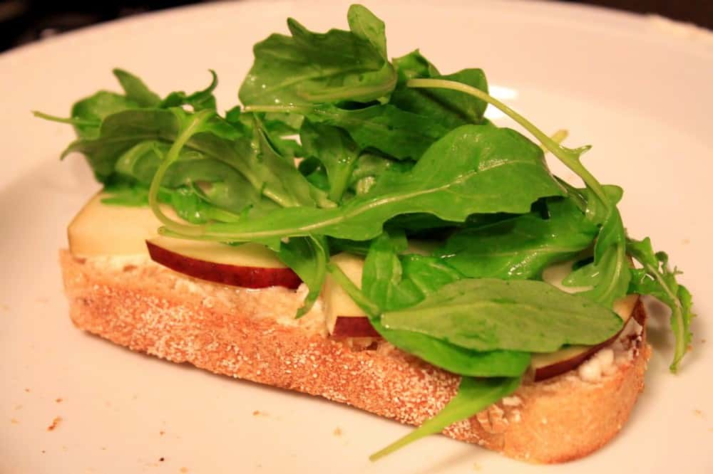 Looking for healthy appetizers for your dinner? Goat Cheese, Pear and Arugula Paninis is perfect if you want easy healthy recipes. This easy homemade recipes will be loved by picky eaters kids. #food #goatcheese #appetizers