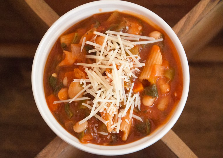 Spicy tomato and white bean stew 4