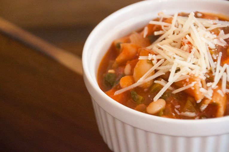 Spicy tomato and white bean stew 5