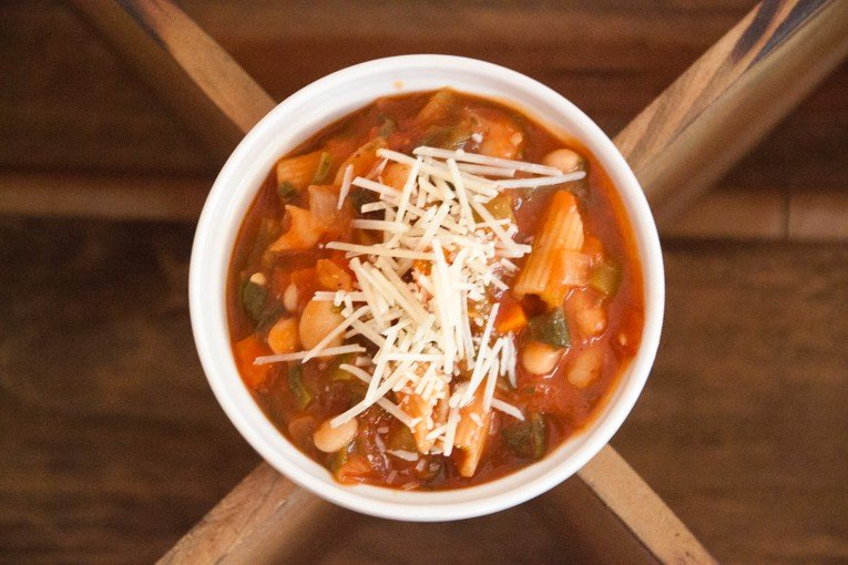 Spicy tomato and white bean stew