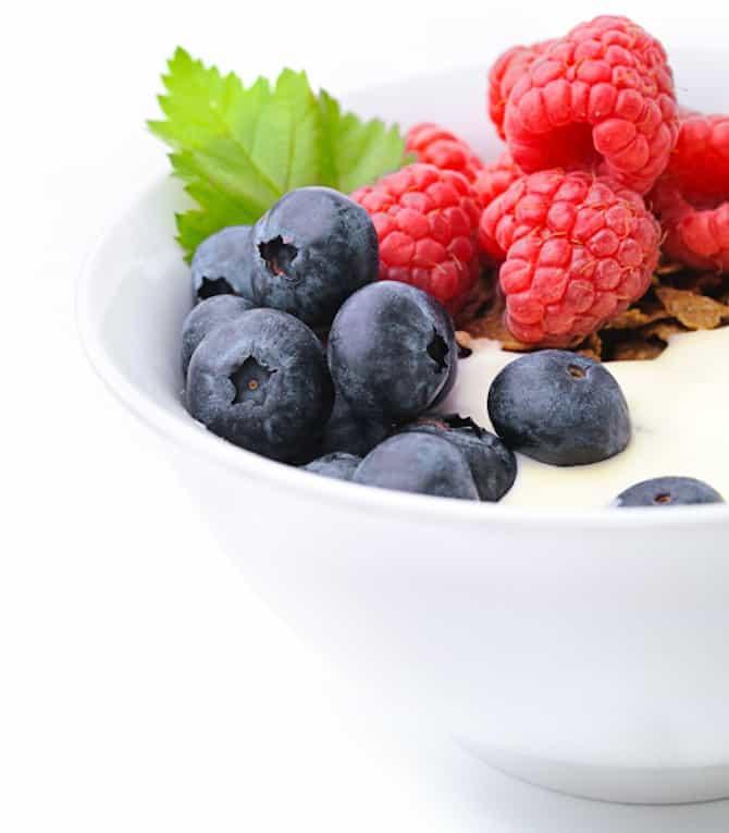FruitYogurt-VegetarianSnacks