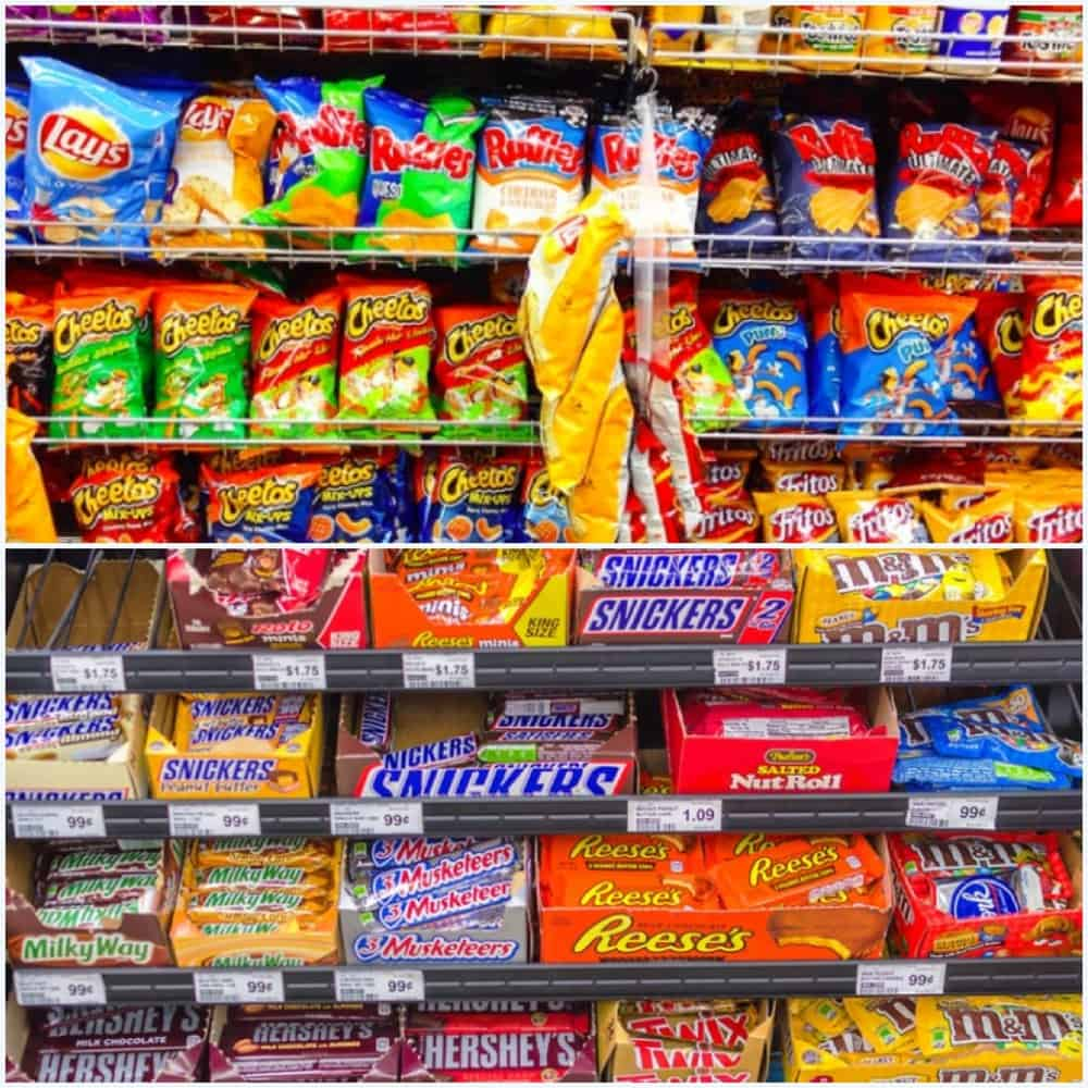 photo of processed food at the grocery store - all of which contain food preservatives to avoid