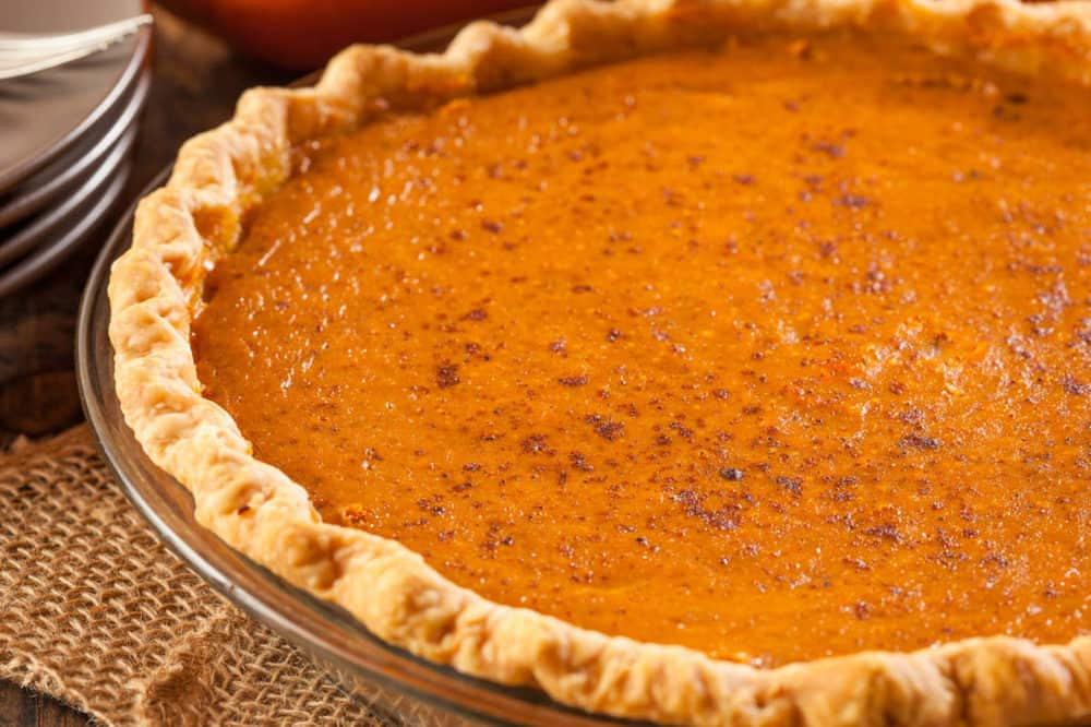 healthy pumpkin pie, low calorie, gluten free option - fresh out of the oven