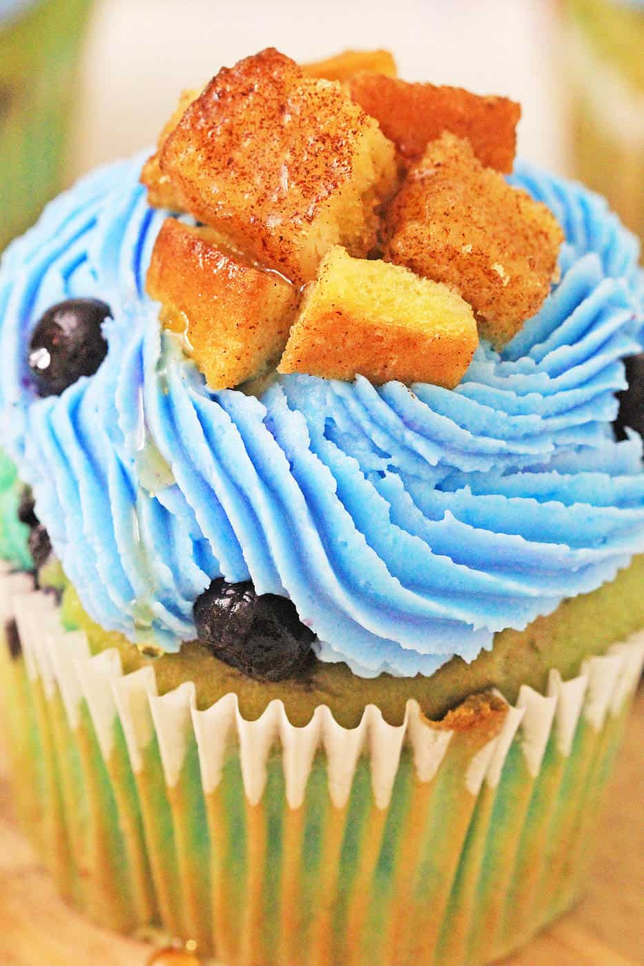 Blueberry Lemonade Cupcakes With Lemon Cream Cheese Frosting