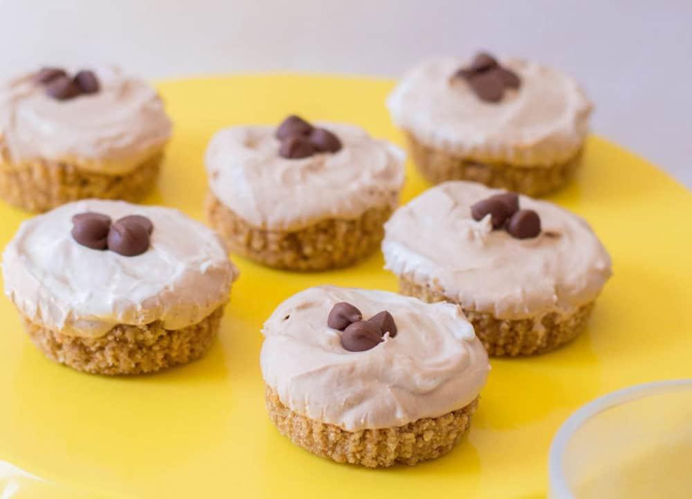 closeup of no bake chocolate cheesecake - mini cheesecakes
