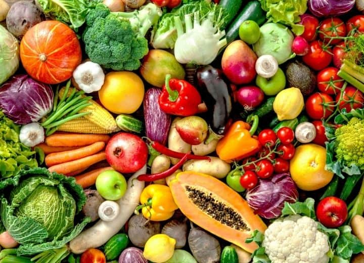 vegetables closely together including peppers, broccoli, squash, tomatoes, cauliflower - is organic really better