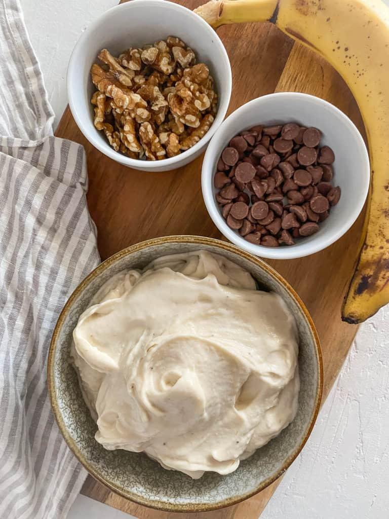 ingredients - bananas chocolate walnuts
