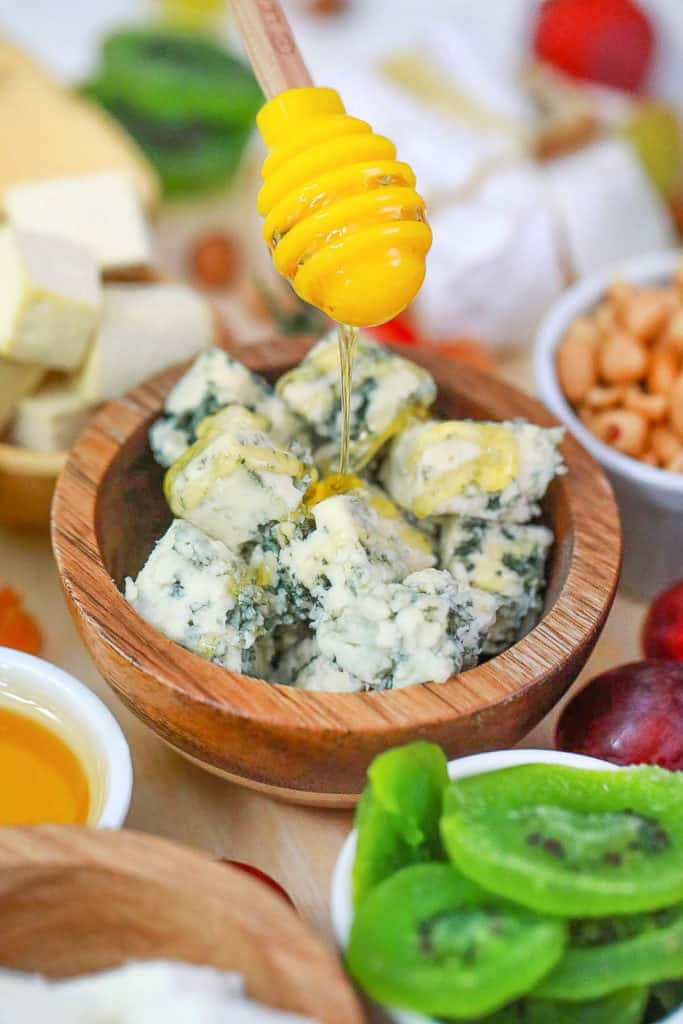 blue cheese with honey